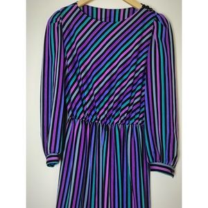 CUTE Vintage Striped Dress with Shoulder Buttons